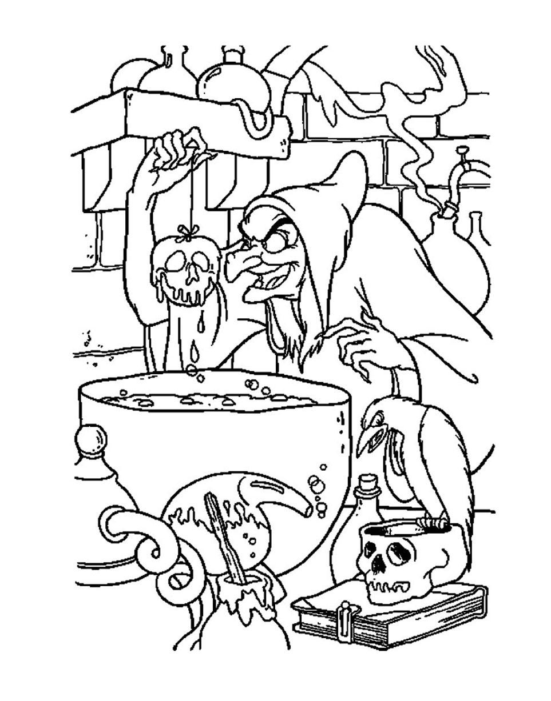 Coloriage de la sorcière qui a préparé une pomme empoisonnée pour Blanche Neige