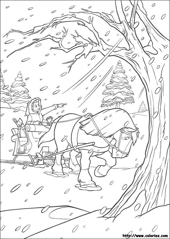 Belle sous la neige avec son cheval