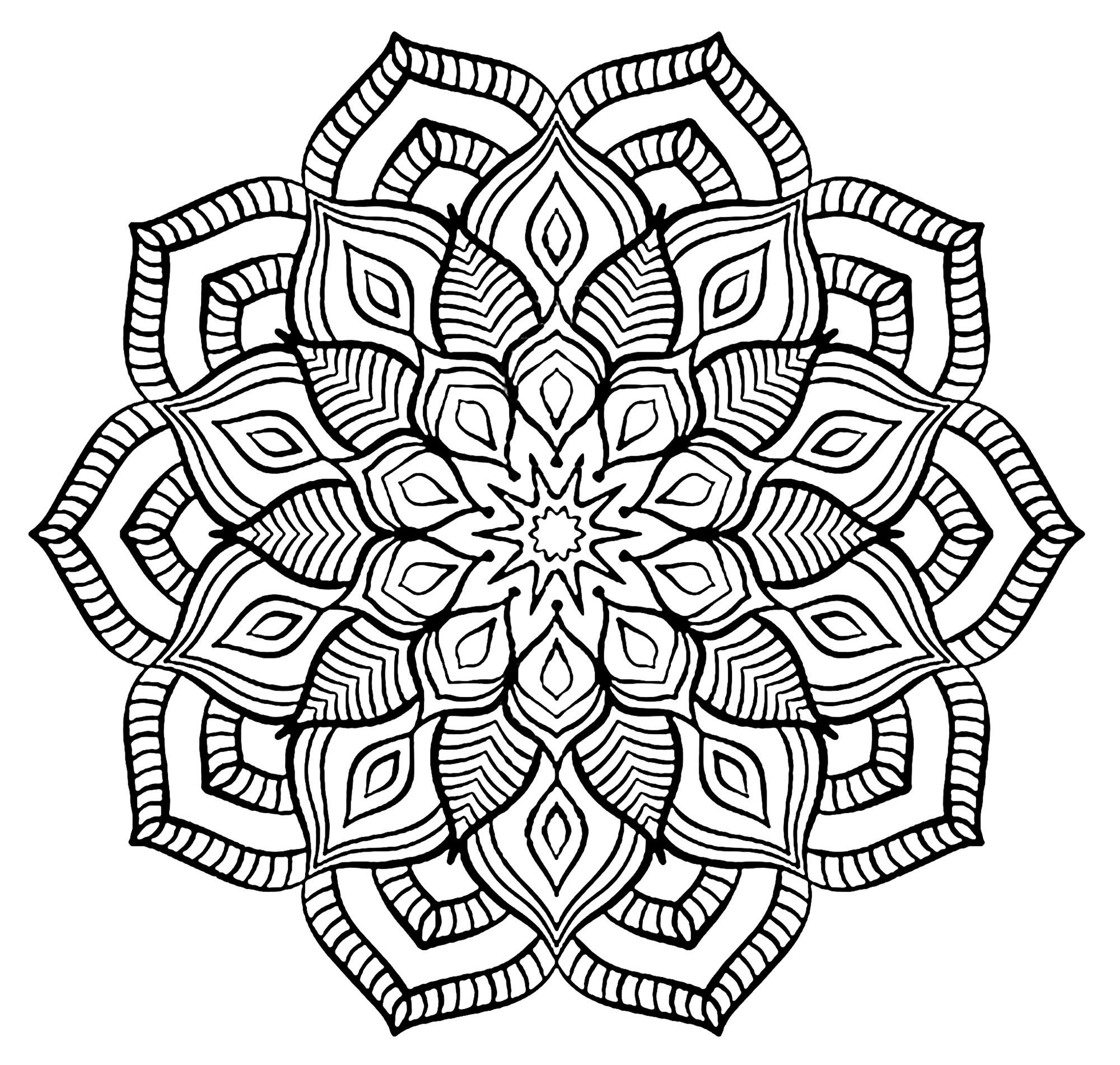 Mandala Grosse Fleur Coloriage Mandalas Coloriages Pour Enfants
