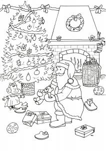 Père Noël préparant les cadeaux